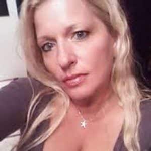 sportive mature blonde gros seins